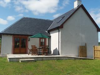 Hazel Lodge, lovely family house with games barn - Alyth vacation rentals