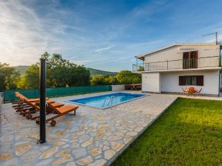 Holiday house Nina with pool quite & peaceful area - Prgomet vacation rentals