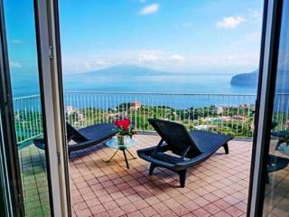 VILLA AUGUSTA B - SORRENTO CENTRE - Sorrento - Sorrento vacation rentals