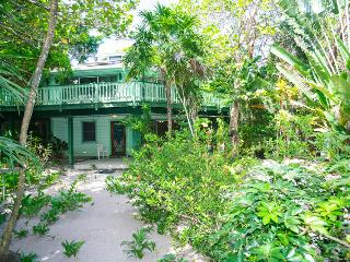 Perfect 1 bedroom Roatan House with Internet Access - Roatan vacation rentals