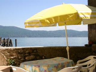 2 bedroom Villa with A/C in Toscolano-Maderno - Toscolano-Maderno vacation rentals