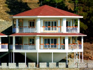 Beautiful 2 bedroom Chail Cottage with Housekeeping Included - Chail vacation rentals
