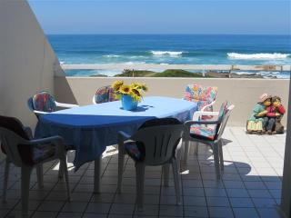****Star Beachfront Self-catering Apartment - Manaba Beach vacation rentals