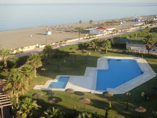 Beautiful 2 bedroom Condo in Puerto de la Duquesa - Puerto de la Duquesa vacation rentals