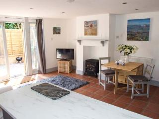 HOMESTEAD, woodburning stove, open plan, pet-friendly, in Halford, Shipston on Stour, Ref 906136 - Shipston on Stour vacation rentals