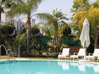 2 bedroom Apartment with Internet Access in Cancelada - Cancelada vacation rentals
