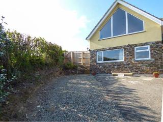TREVIEW, upside down cottage, WiFi, pet-friendly, ideal for a couple, Launceston, Ref 937854 - Launceston vacation rentals