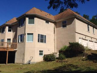 Bright 6 bedroom Lithonia House with Parking Space - Lithonia vacation rentals