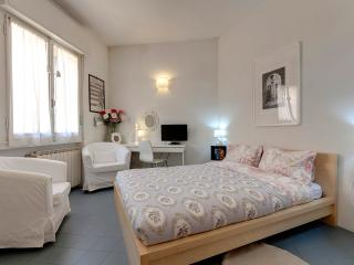 Ponte Vecchio Suite Rental in Florence, Tuscany - Florence vacation rentals