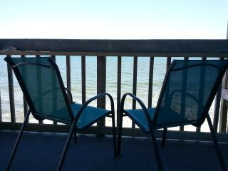 Topsail Reef Oceanfront SEASTAR 1 - Lazy Summer Days! - North Topsail Beach vacation rentals