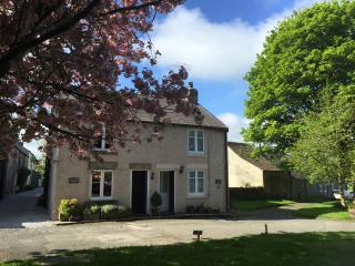 2 bedroom Cottage with Internet Access in Tideswell - Tideswell vacation rentals