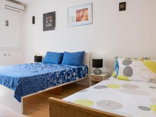 Sunny apartment in city center Split - Split vacation rentals