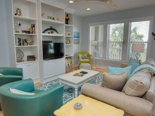 Comfortable Condo with Internet Access and Shared Outdoor Pool - Salter Path vacation rentals