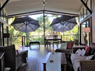 1 bedroom Condo with Internet Access in Kewarra Beach - Kewarra Beach vacation rentals