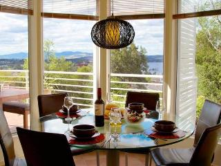 Isle of Views - 2km to MONA - Hobart vacation rentals