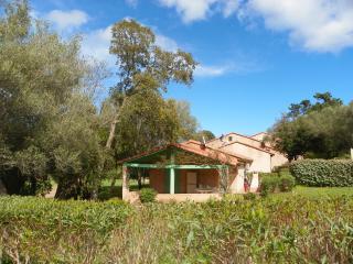 Mini villa 4 personnes plage à 300m - Sainte Lucie De Porto Vecchio vacation rentals