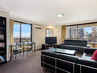 1405. Hyde Park Top Floor City Apartment - Sydney vacation rentals