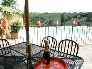 3BDR Cozy countryside house: small pool,AC WiFi - Siena vacation rentals