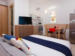 Pinia 1 - Bol vacation rentals