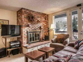 Condo located between Vail Village & Lionshead, Walk To Gondola, On In-Town Bus Route, Mtn View! - Vail vacation rentals