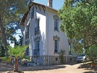 Bright 5 bedroom House in Boulouris - Boulouris vacation rentals