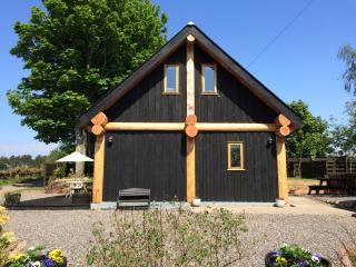 Perfect 2 bedroom Cabin in Montrose with Internet Access - Montrose vacation rentals