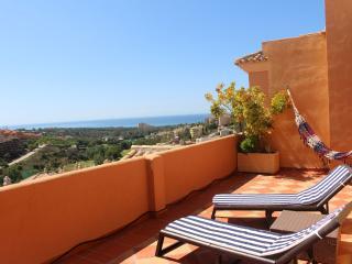 Penhouse with golf & sea views in Elviria,Marbella - Elviria vacation rentals