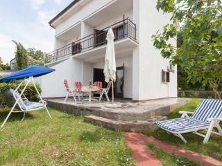 Adorable 2 bedroom Malinska House with A/C - Malinska vacation rentals