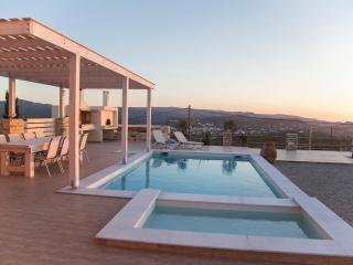 Comfortable 2 bedroom Villa in Kamilari with Internet Access - Kamilari vacation rentals
