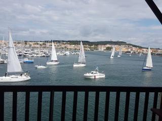 6 couchages 1ere ligne  vue magnifique port et mer - Cap-d'Agde vacation rentals