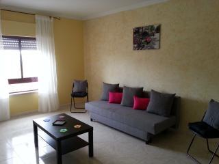 Newly furnished 1 bedroom flat Setubal near Lisbon - Setubal vacation rentals
