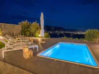 Azzurro Bianco Suite 2 with private pool - Parikia vacation rentals