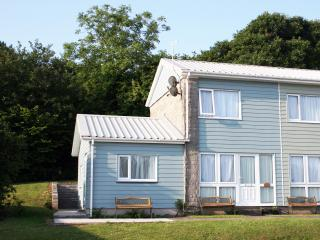 Three Bedroom Holiday Home with WiFi - Freshwater East vacation rentals