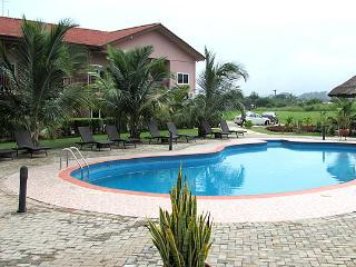 Spacious Resort with Television and Housekeeping Included - Kokrobite vacation rentals