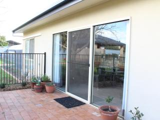 Moose and Mimi's Self Contained Accommodation - Temora vacation rentals