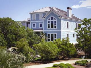Charming House with Deck and Internet Access - Pawleys Island vacation rentals