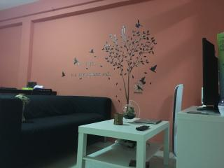 Nice bedroom for rent short-term - Singapore vacation rentals