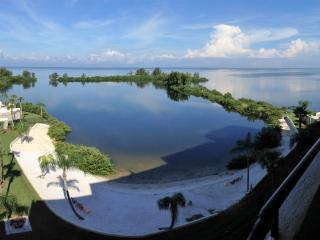 Private Island Oasis on Gulf with Stunning Views - Hudson vacation rentals