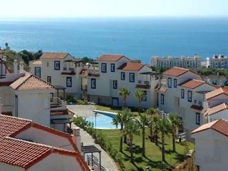 Maravilloso Apartamento Con Vistas Al Mar. - Puerto de la Duquesa vacation rentals