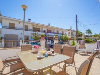 GINEBRÓ - Property for 6 people in Platges de Muro - Playa de Muro vacation rentals