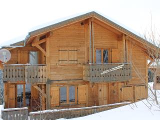 CHALET 19 couchages situé sur les pistes - Taninges vacation rentals