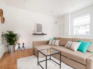 ::. Greyhound Lux One bedroom Flat 1 .:: - London vacation rentals
