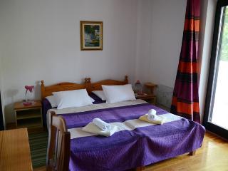 Guesthouse Marijana - Classic room with balcony 3 - Rovinj vacation rentals