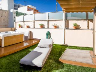 New penthouse in quite city center - Alicante vacation rentals
