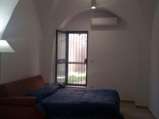 Appartamento con 4 posti e piccolo giardino - Manfredonia vacation rentals