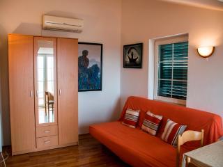 Apartments Krš Medinski 1 - Petrovac vacation rentals