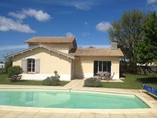 Villa piscine privée, wifi, sur golf, proche mer - Coex vacation rentals