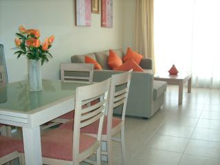 Alenda Golf- apartment overlooking course. 10k. beach, Near Elche. - Monforte del Cid vacation rentals