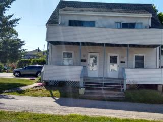 Adorable 2 bedroom Apartment in Narragansett - Narragansett vacation rentals