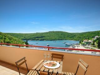 Duboko Plavo, appartamento a 30 metri dal mare - Krnica vacation rentals